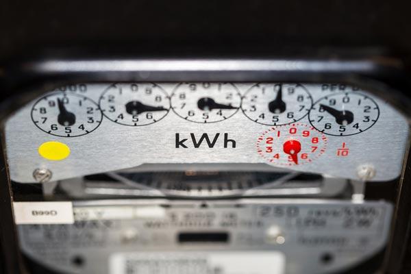 Optimización de suministros eléctricos. Metrovar